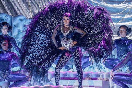 Ještě výraznější kostým oblékla během svého vystoupení v rámci programu.