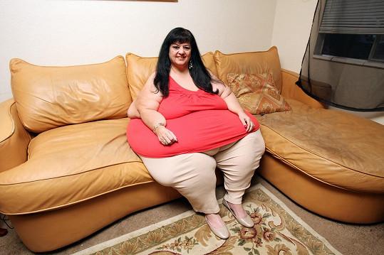 Morbidně obézní žena začala hubnout.