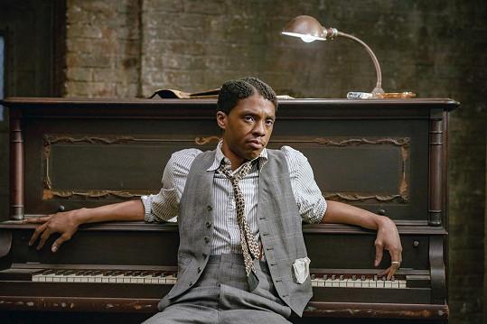 Žhavým adeptem na ocenění byl Chadwick Boseman za výkon v Ma Rainey – matka blues.