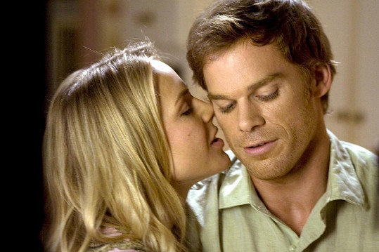 Julie s Michaelem C. Hallem v seriálu Dexter