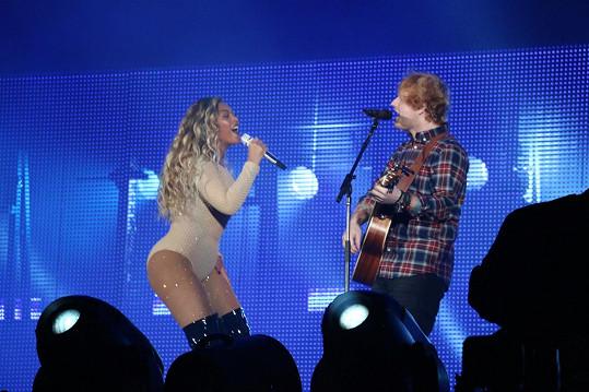 Beyoncé si v Central Parku zazpívala s Edem Sheeranem.
