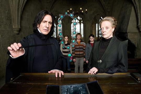 Alan Rickman ve své asi nejslavnější roli profesora Snapa.