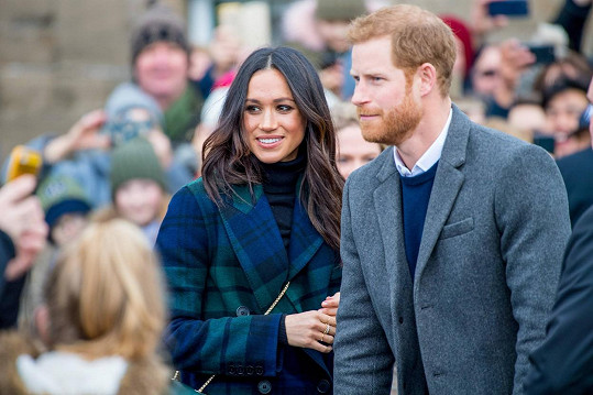 Harry se prý chystá za rodinou do Británie, manželka ho pravděpodobně nedoprovodí.