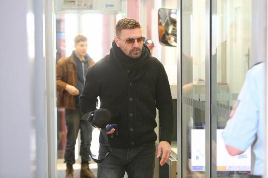 Tomáš Řepka odešel od pražského soudu s devítiměsíčním trestem. Na místě proti rozhodnutí soudu podal stížnost.