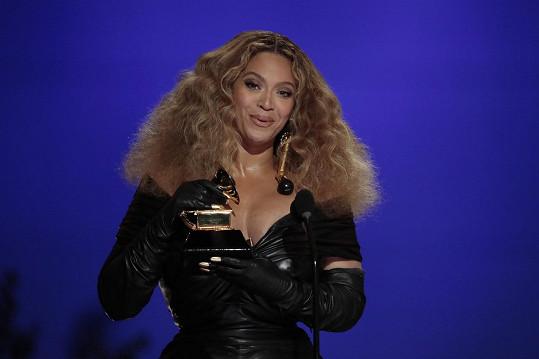 Zpěvačka trhla rekord a vepsala se do historie počtem ocenění.