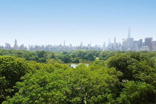 Z penthousu jsou výhledy na Central Park.