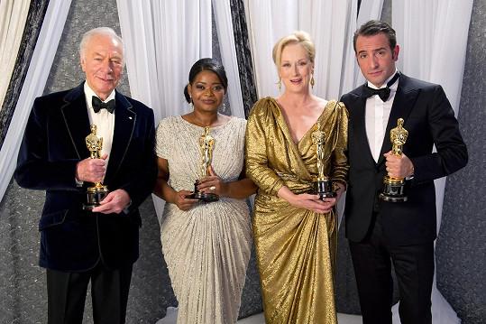 Oscara získal Plummer v roce 2012 za vedlejší roli ve filmu Začátky. Na snímku s dalšími oceněnými toho roku - Octavií Spencer, Meryl Streep a Jeanem Dujardinem.