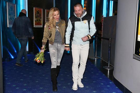 Tomáš Řepka a Kateřina Kristelová si vyšli do kina.