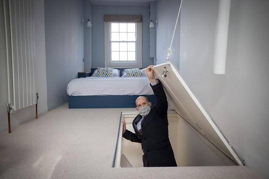 Dostat se do postele dá trochu práci, hlavní ložnice se nachází v nejvyšším patře.