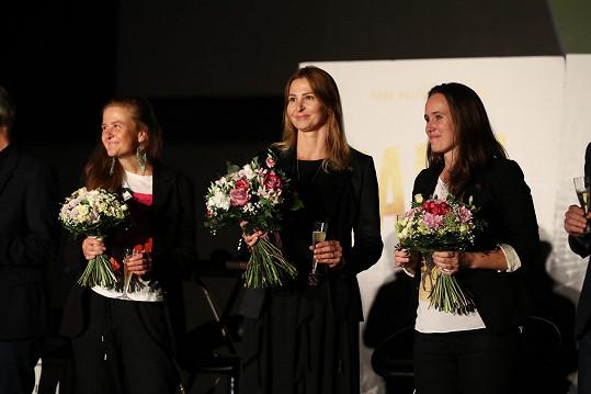 Ivana Gottová a Olga Špátová (vpravo) na předpremiéře dokumentu Karel o Karlu Gottovi, která se konala ve zpěvákově rodišti Plzni.