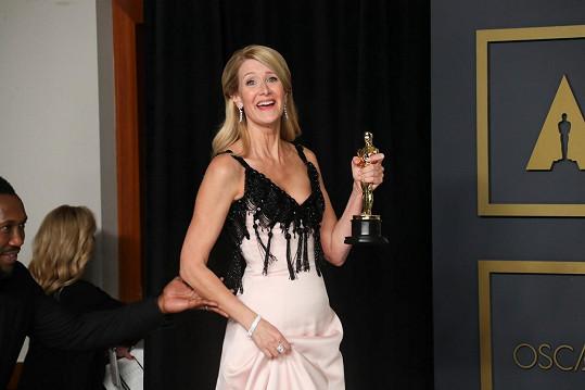 Laura Dern získala Oscara za vedlejší roli ve filmu Manželská historie.