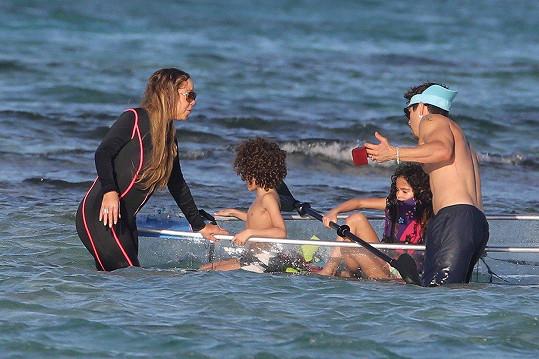Mariah vyrazila do Karibiku s přítelem a dětmi.