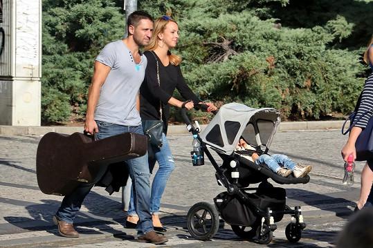 Martin Písařík s partnerkou Míšou a synem Patrikem
