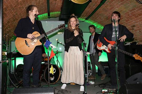 Tomáš Klus a jeho manželka Tamara představili videoklip k písni A pak.
