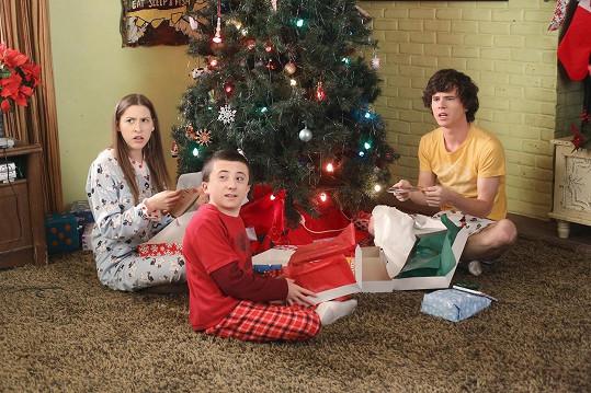 V seriálu Průměrňákovi hráli Sue, Bricka a Axla.