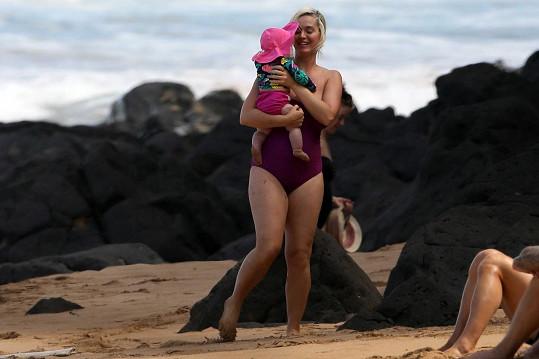 Katy Perry byla na pláži samý úsměv.