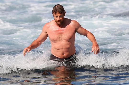 Představitel Mentalisty je jako správný Australan v moři každou chvíli.
