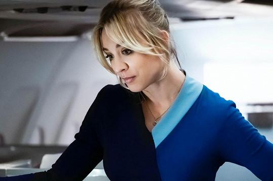 Kaley Cuoco jako letuška ve stejnojmenném seriálu. Za roli byla nominovaná na svůj první Zlatý glóbus.