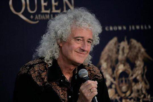 Legendárnímu kytaristovi vložili do srdce tři stenty.