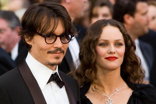 Vanessa Paradis tvrdí, že Johnny Depp není násilník.