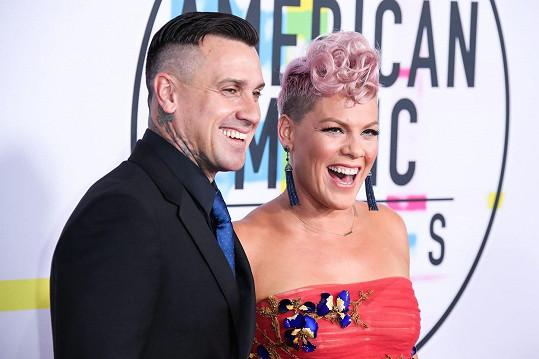 S manželem Careym Hartem