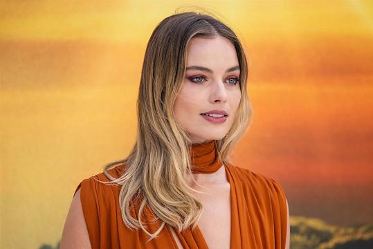 Margot jde z role do role.