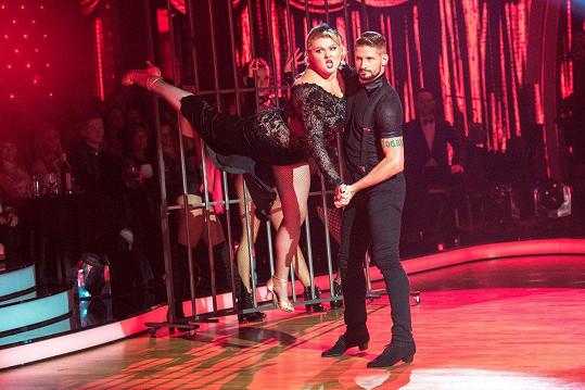 Ve slovenské obdobě StarDance tančil nedávno Lukáš Hojdan se slovenskou komičkou Evelyn Kramerovou.