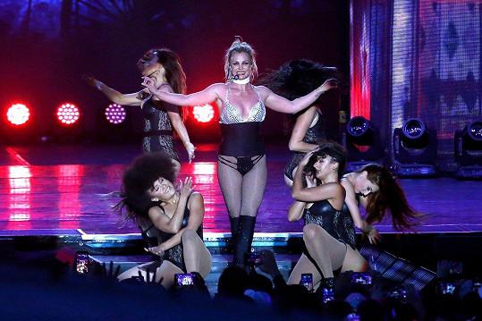 Takhle Britney řádí na pódiu.