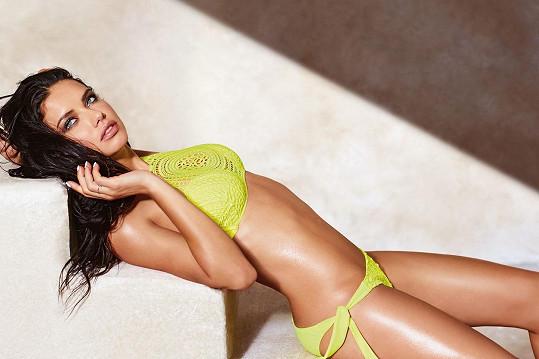 Druhá je Adriana Lima.