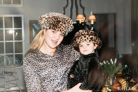 Jako náctiletá se sestrou Kendall.