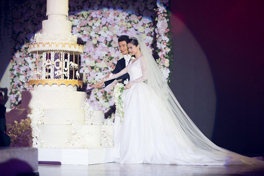 Svatba vyšla na 736 miliónů korun.