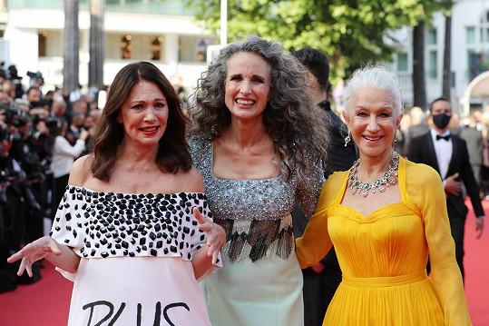 Zapózovala i s kolegyněmi Helen Mirren (vpravo) a Iris Berben.