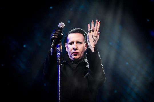Marilyn Manson se vyjádřil k obviněním z tyranie.