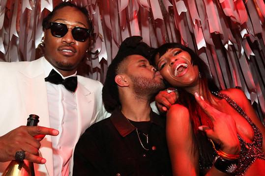 Naomi Campbell se výborně bavila se zpěváky Futurem a The Weekndem.