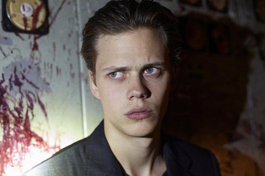 V seriálu Hemlock Grove ztvárnil upíra Romana.