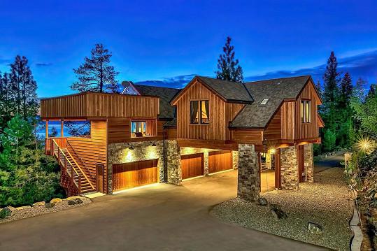Pronájem luxusního sídla u jezera Tahoe vyjde na více než 131 tisíc Kč za noc.