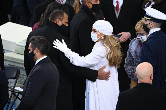 Manželé Jennifer Lopez a Alex Rodriguez prezidenta podporovali v jeho kampani.