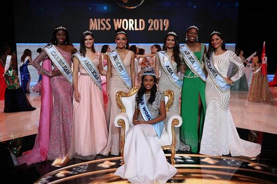 Miss World s dalšími kráskami