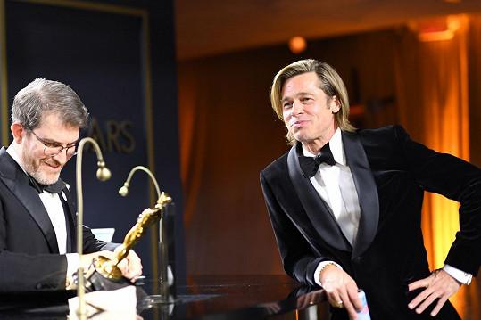 Brad Pitt čeká na vyrytí svého jména na zlatou sošku.