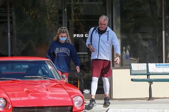 Dolph Lundgren vyrazil do fitka se snoubenkou Emmou Krokdal.