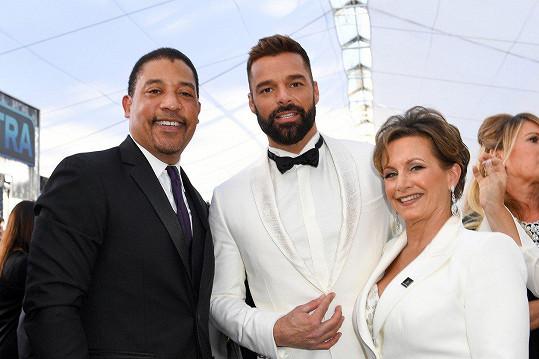 Zatoužil po ní i David White (vlevo) a Ricky Martin.