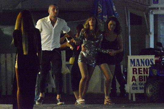 Nicole Scherzinger slavila narozeniny s přáteli na Mykonosu.