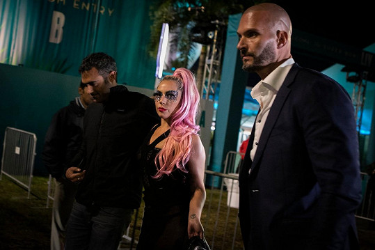Lady Gaga a Michael Polansky se spolu objevili na Super Bowlu.