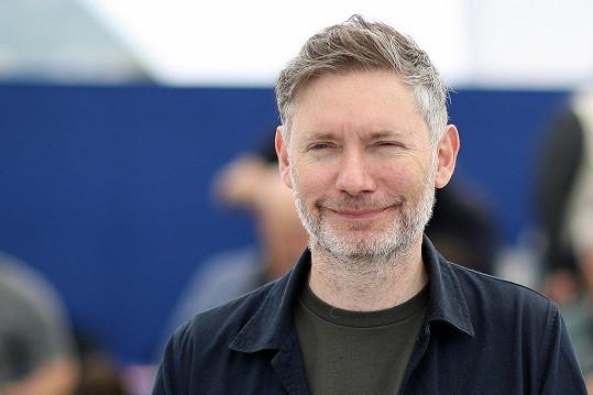 Kevin MacDonald uvedl v Cannes svůj film Whitney.