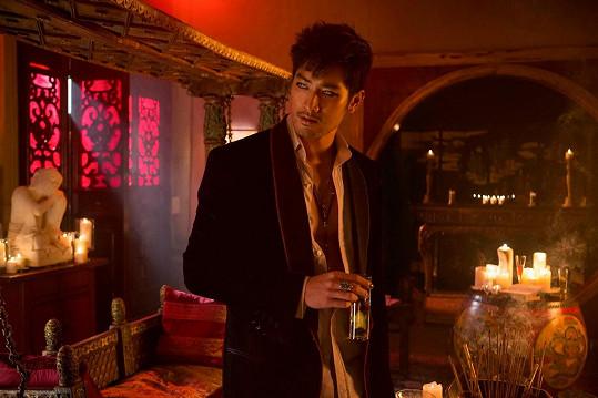 Godfrey Gao ve filmu Mortal Instruments: Město z kostí