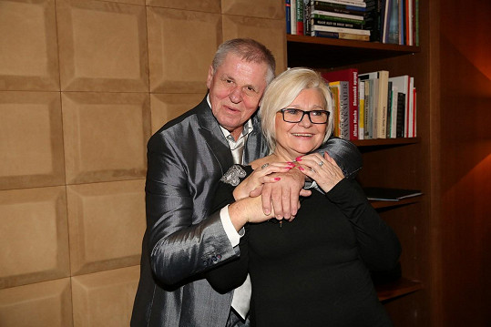 Milada Kerndlová opětovně svádí boj s rakovinou.