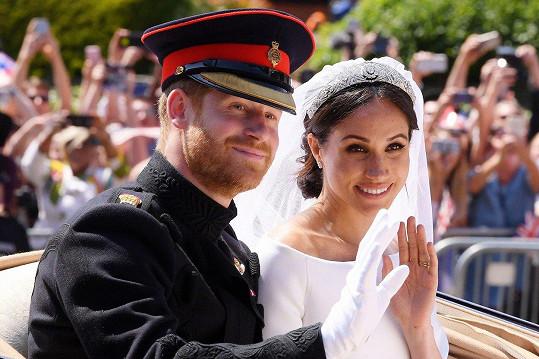 Harry a Meghan už tvoří manželský pár.