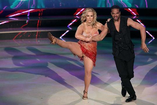 Anastacia předvedla svou formu v italské taneční show.