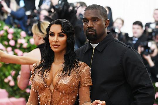 Kim Kardashian podala žádost o rozvod s Westem v únoru.