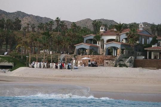 Obřad se uskutečnil v sobotu v Mexiku.